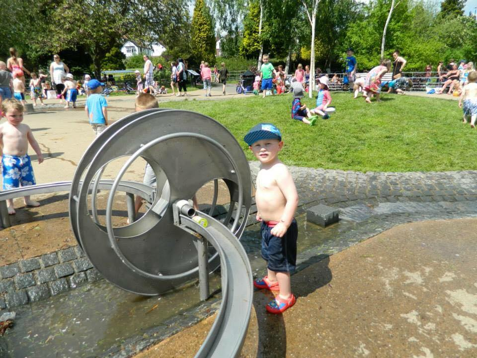 millhouses park water play sheffield kids
