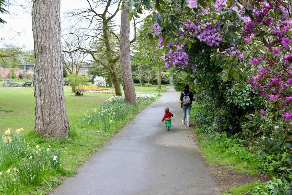 roundhay park, Leeds family walks in South Yorkshire