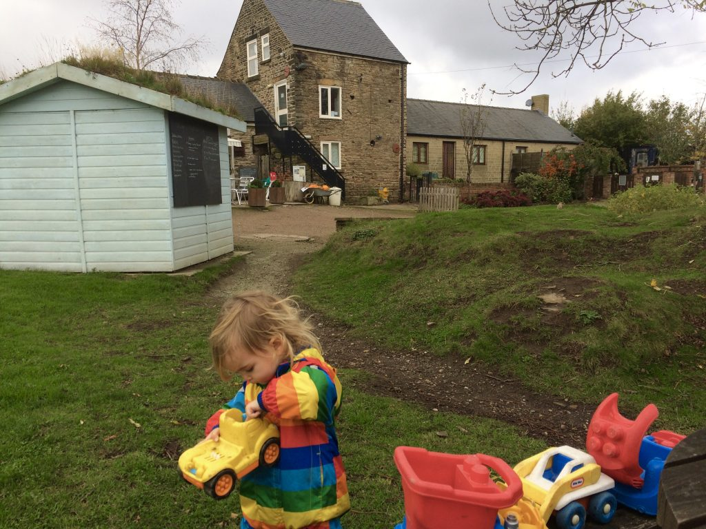 Come with us for an explore around Sheffield Manor Lodge and Farm best for outdoor fun in South Yorkshire