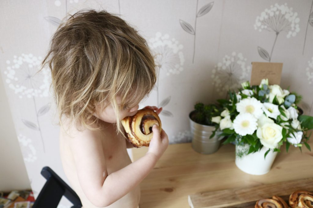 10 Minute Super Easy Toddler Friendly Baking: Jus-Rol Vegan Cinnamon Twirls