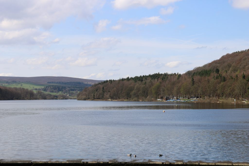 Family walk at Damflask Reservoir Sheffield