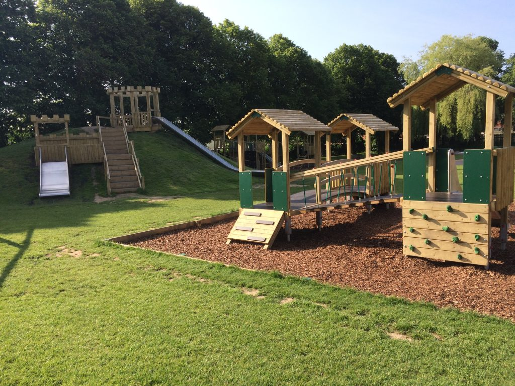 Free Day Out: Cliffe Park, Dronfield 10 Amazing Adventure Playgrounds in and near Sheffield
